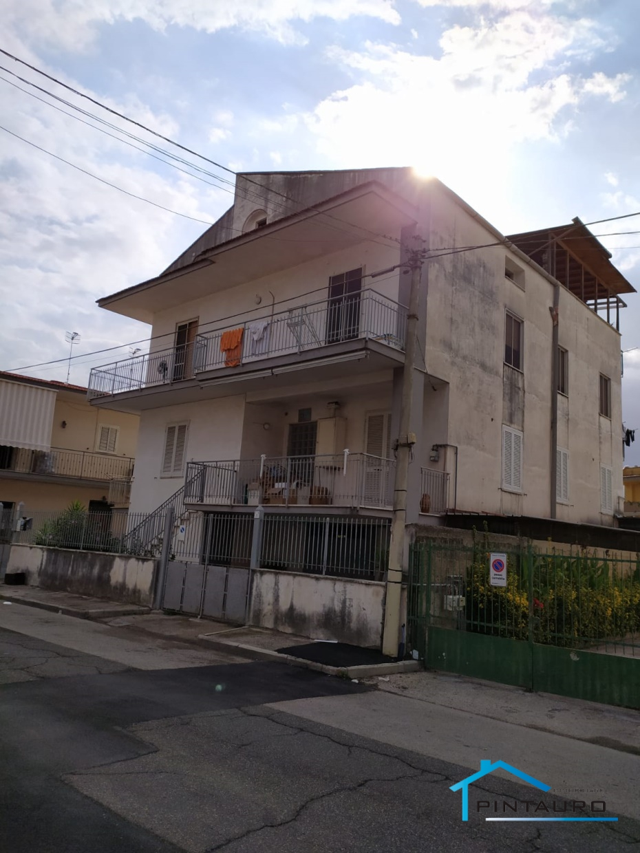 Villa in vendita a Acerra, 10 locali, prezzo € 370.000 | CambioCasa.it